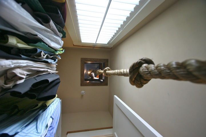 Pirate bedroom's rope to closet2
