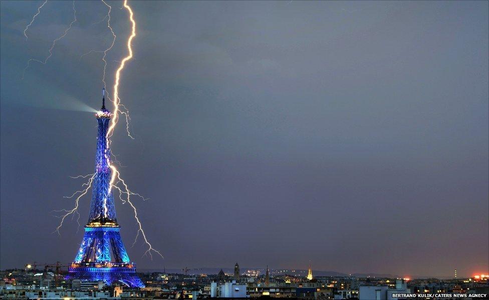 Eiffel Tower Lightning Buzzbuzzhome News