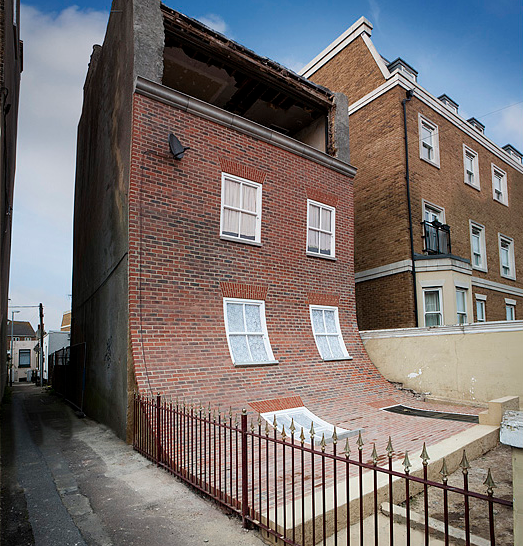alex chinneck townhouse 2