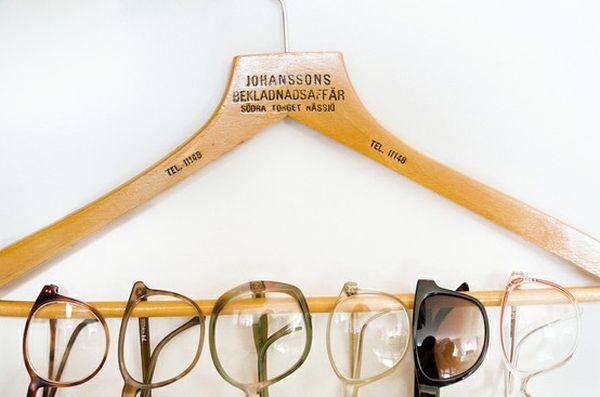 hanging-eyewear