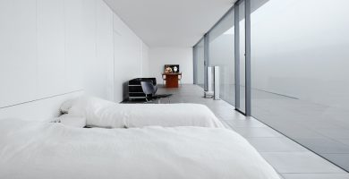 minimalist room featured-1