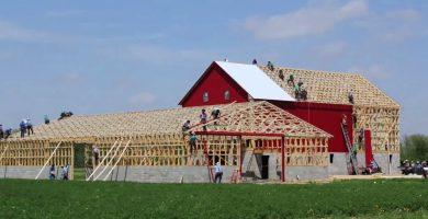 amish barn raising-1
