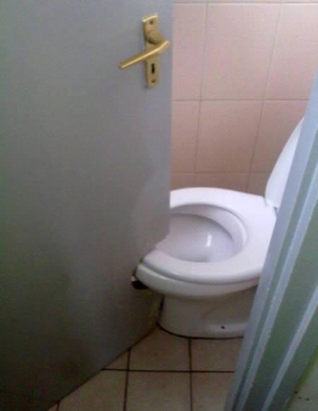 bad bathroom-2