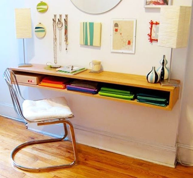 tiny apartment diy floating desk