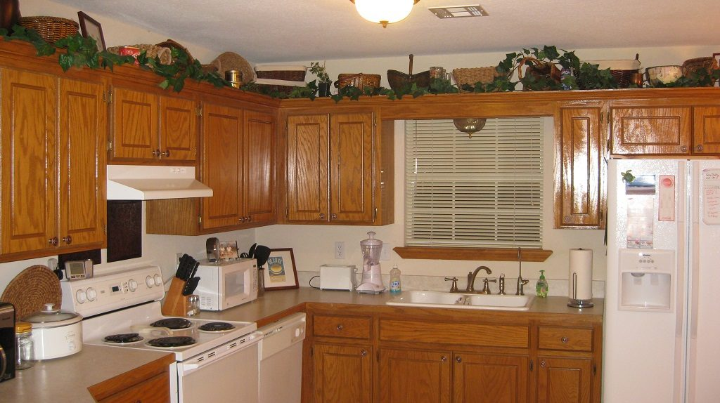 What modern home design trends should we embrace avoid for 90s kitchen remodel
