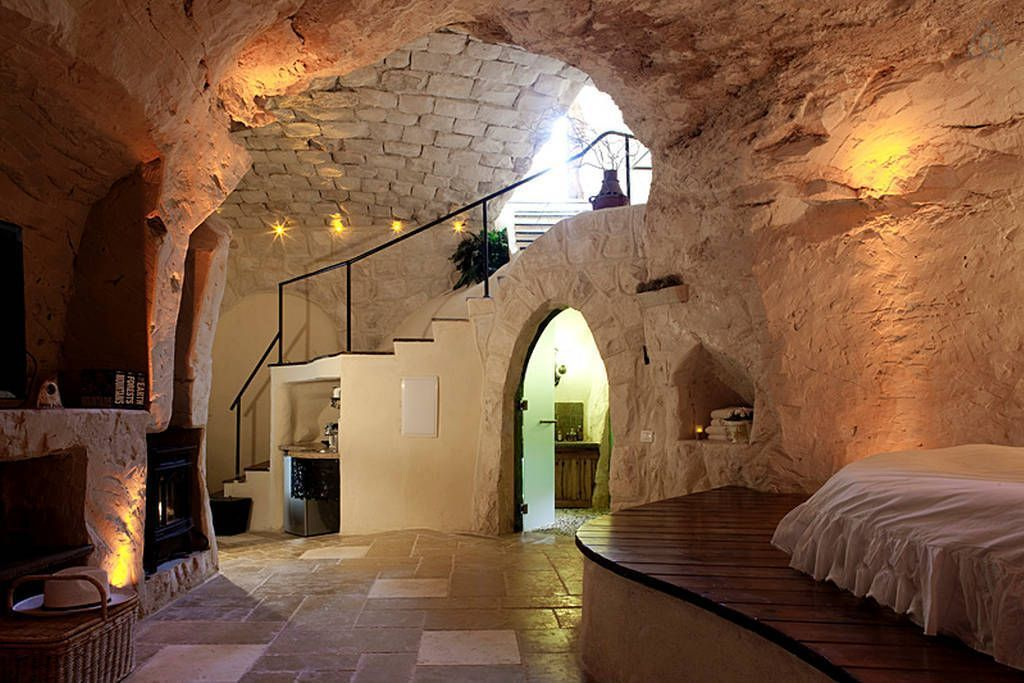 31 Stunning Photos Of Cave Homes You Want To Hibernate In