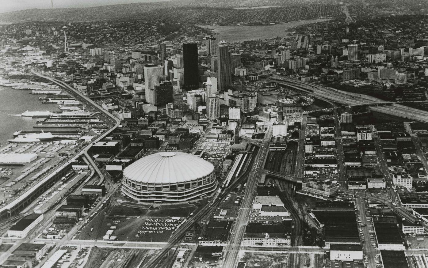 Can you dig these 12 far out photos of Seattle in the 1970s?