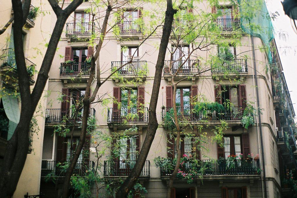 balconies-min