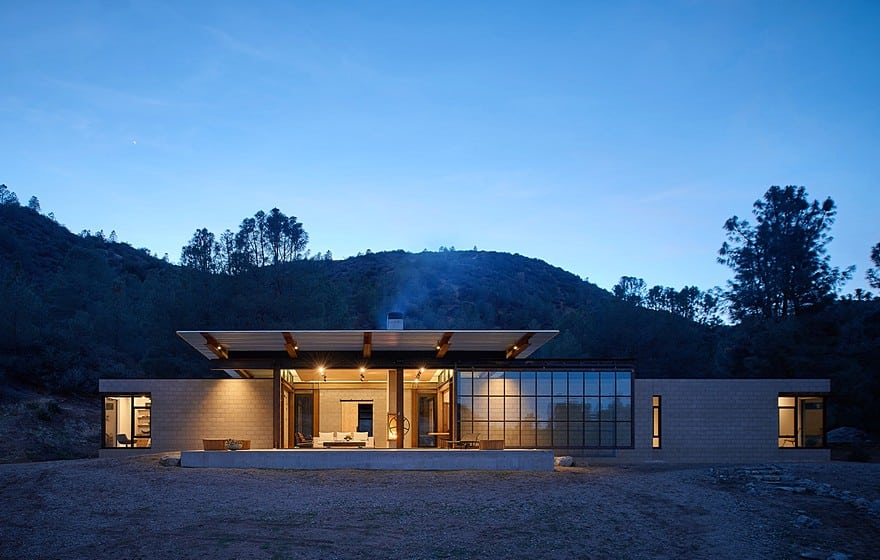 Sawmill-Retreat-by-Olson-Kundig-Architects-1-min