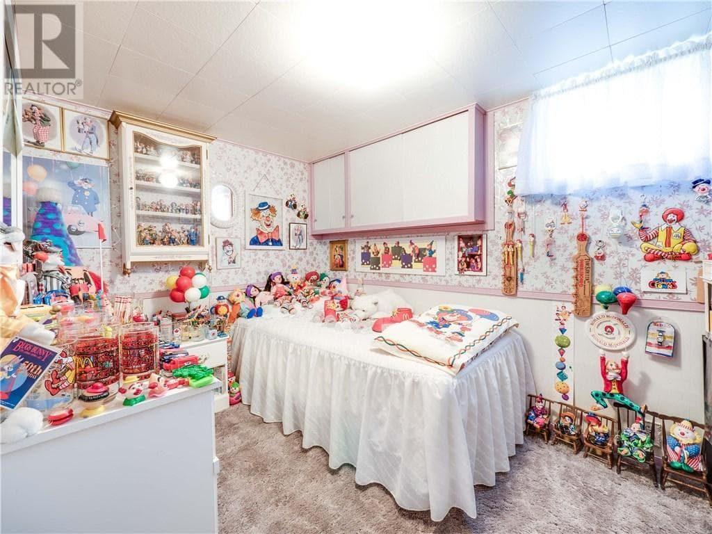 guest bedroom-min