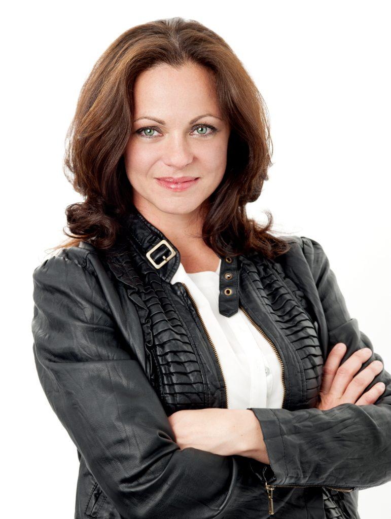 Suzanne Bettencourt figure3