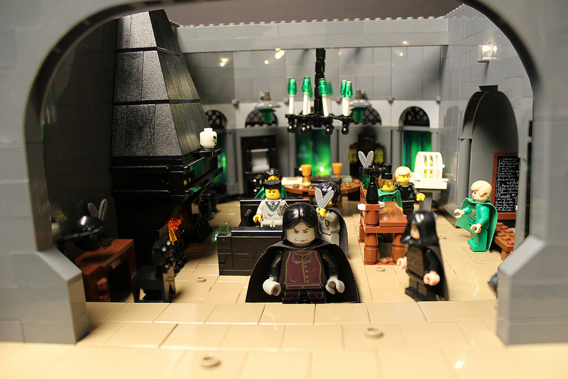 Harry Potter lego Hogwarts castle7