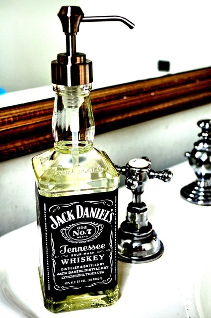 manteresting jack daniels bottle soap 4