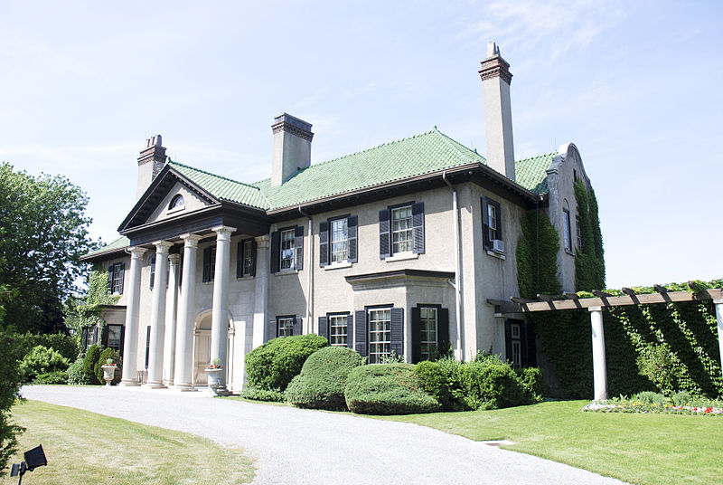 Parkwood Estates has been used in numerous movies including Fever Pitch, Chicago, and most memorably X-men as the X Mansion. What's awesome is Parkwood is located in Oshawa, ON!
