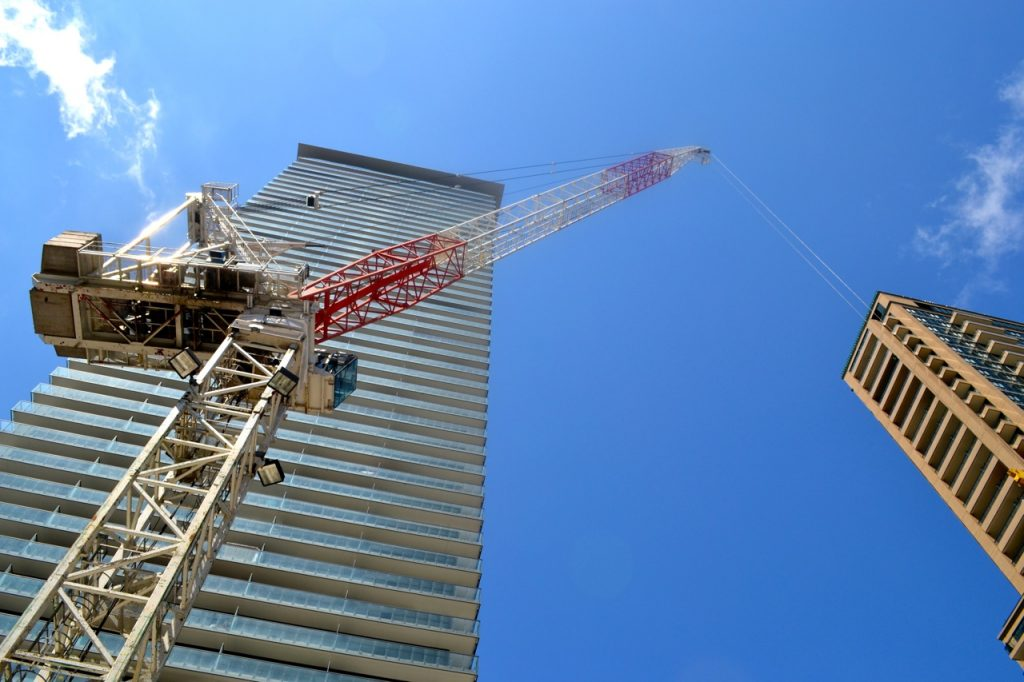 Chaz.Yorkville construction crane