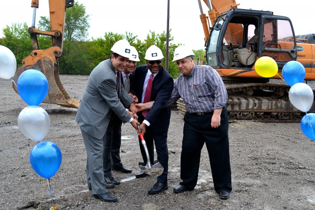 Van Lapoyen, Marc Freedman, Councillor Michael Thompson, and Mazen Al Kaddam officially break ground!