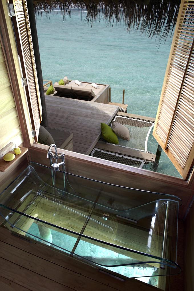 glass bottom tub