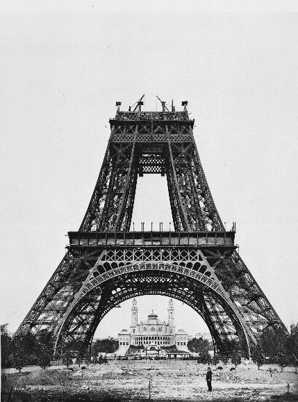 Eiffel Tower construction-1