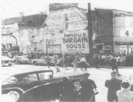 This photo was taken in 1948 after the store first opened, it's easy to see how busy it was. Photo: honesteds.sites.toronto.com