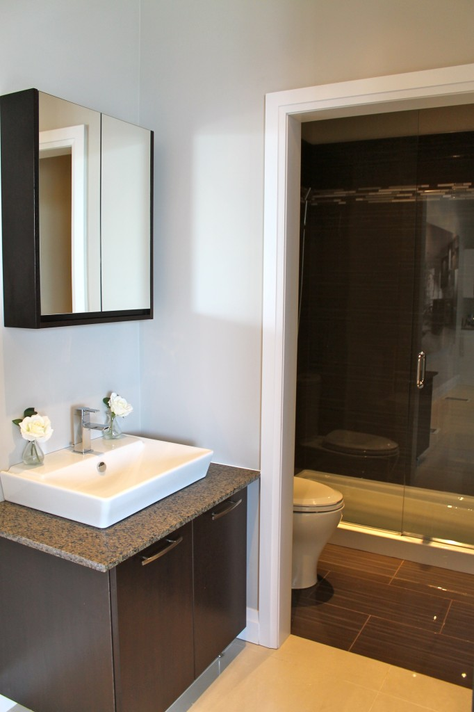 One of the two model bathrooms in the sales centre.