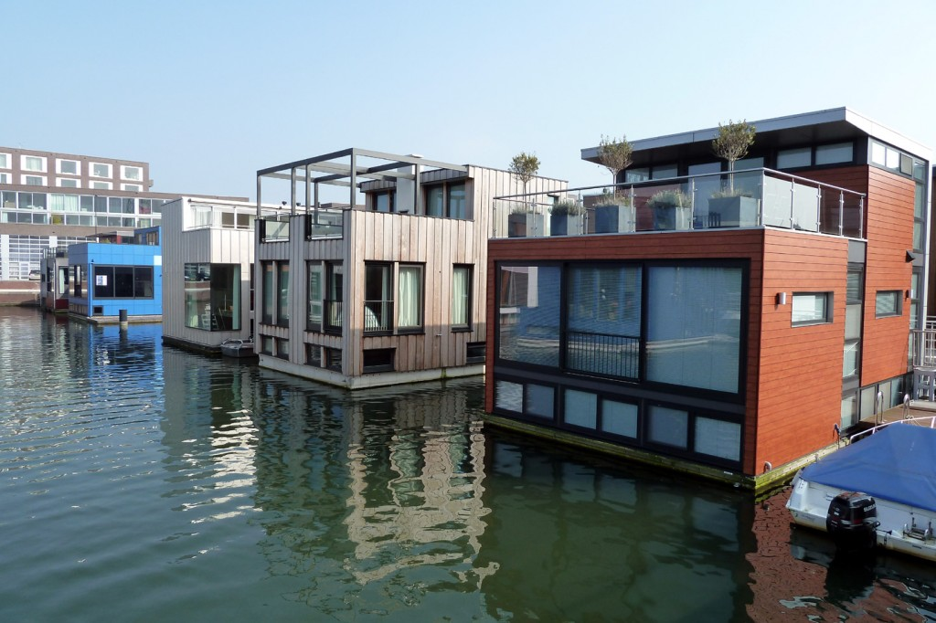 floating homes - water rowhomes Amsterdam