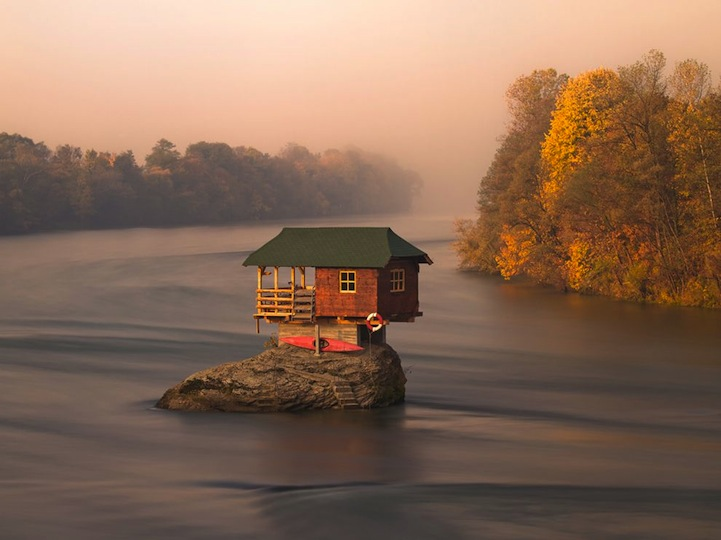 floating house - Serbian Home