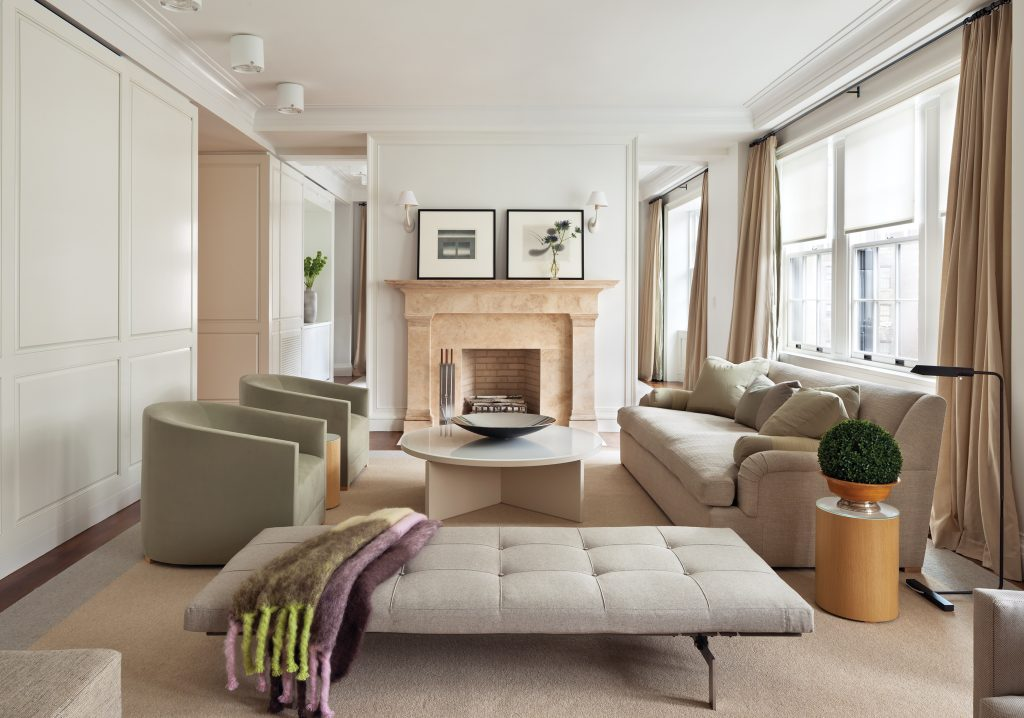 11 east 68th street living room
