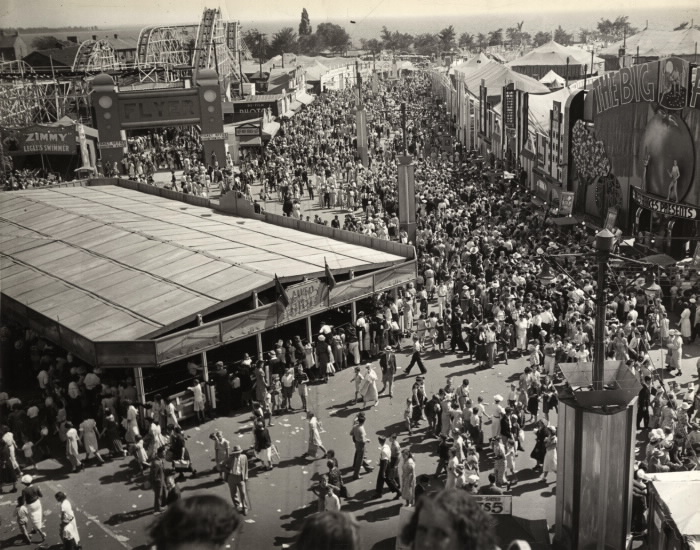 1939 CNE midway