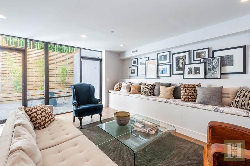 731 Dean Street living room