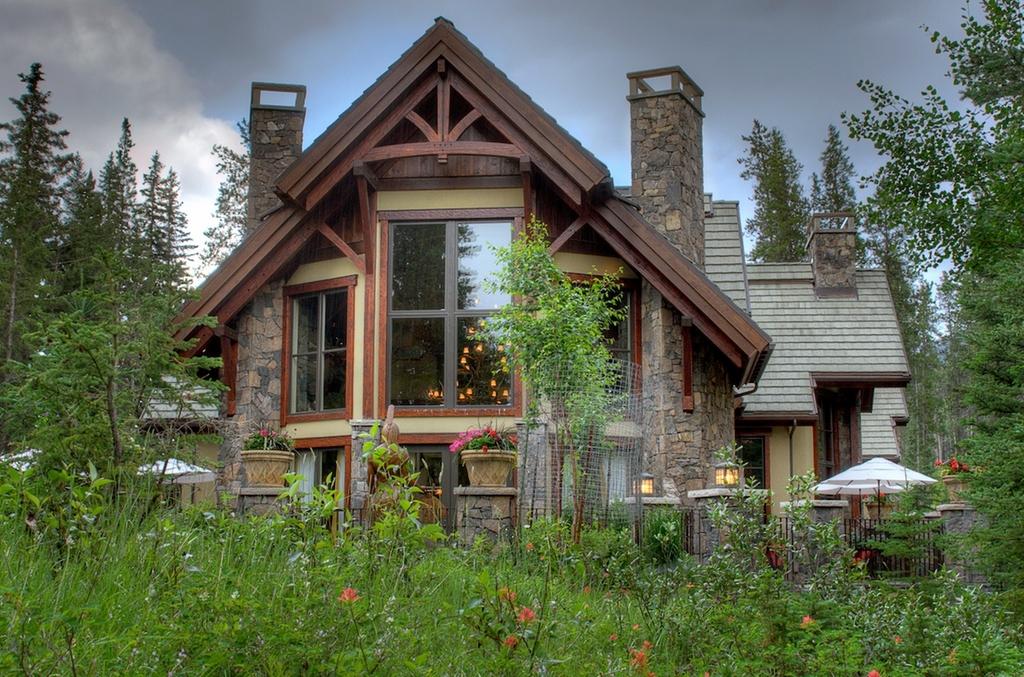 Calgary expensive home-7