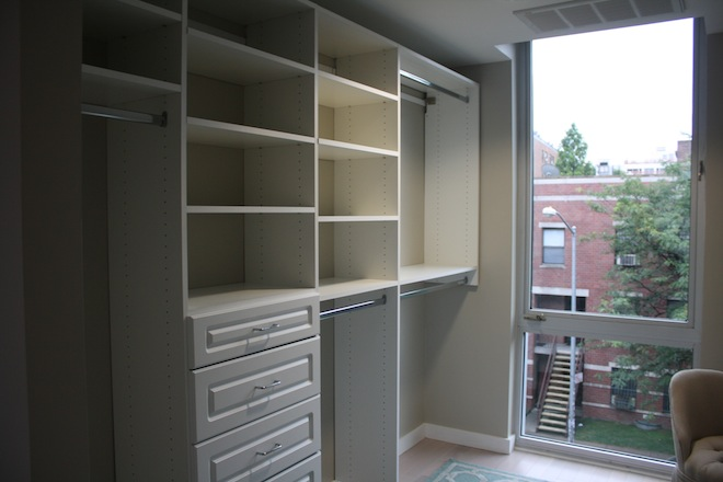 Williamsburg Townhomes walk in closet