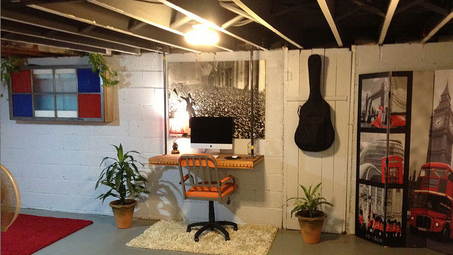 lifehacker floating desk workspace