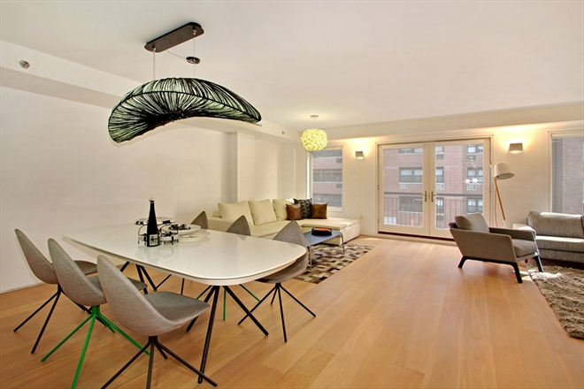 230 East 70th living room