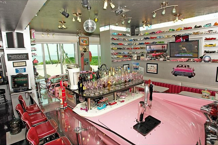 Florida Mansion Cadillac bar