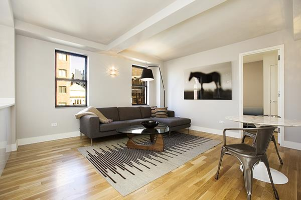 308 west 30th street living room