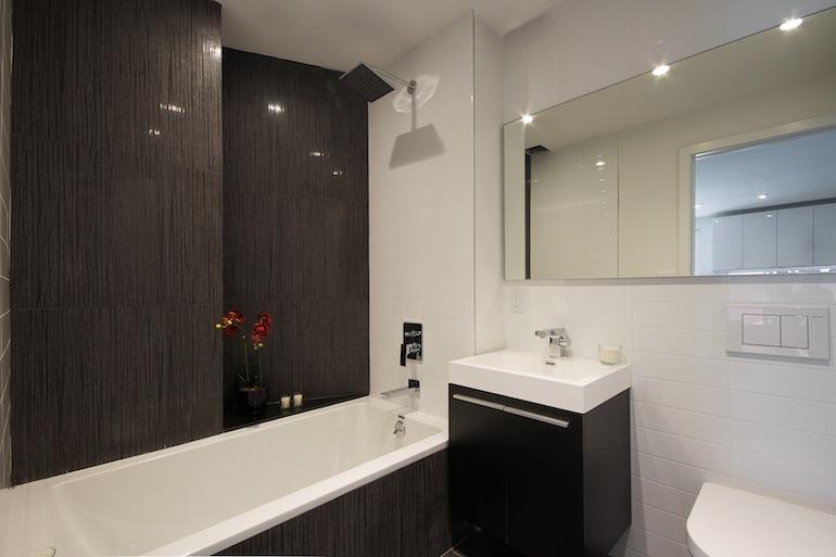618 Washington bathroom 2