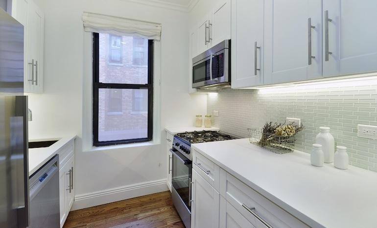 Astoria Lights kitchen