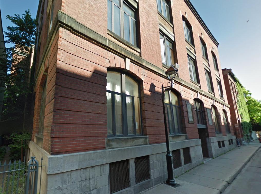 435 rue Champ-de-Mars