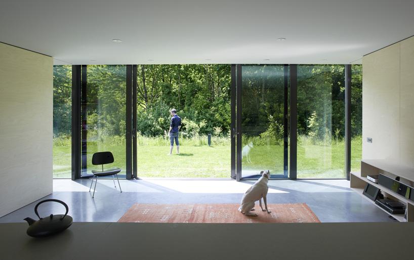 mirror house-4