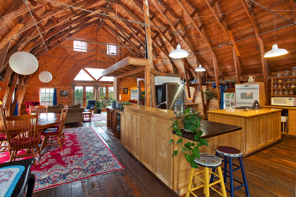 Brilliant Living Like An Animal Can Be Beautiful Here Are 10 Barn To Interior Design Ideas Gentotryabchikinfo