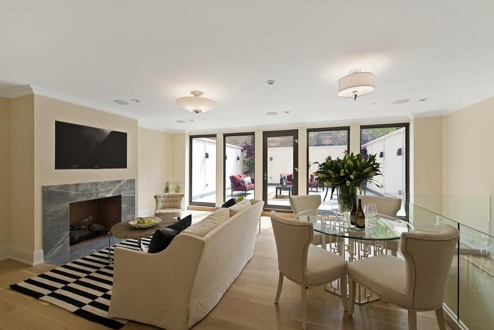 230 East 63rd Street maisonette living room