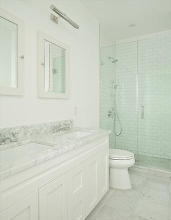 77 Douglass Street bathroom