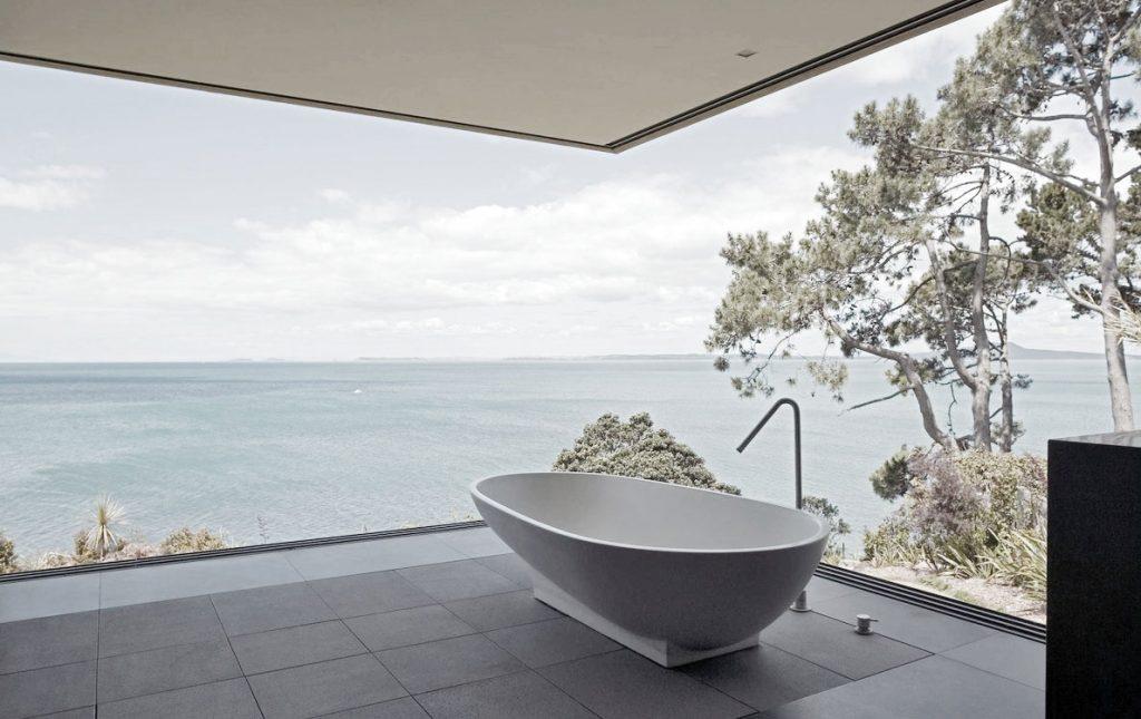 outdoor bathtub patio