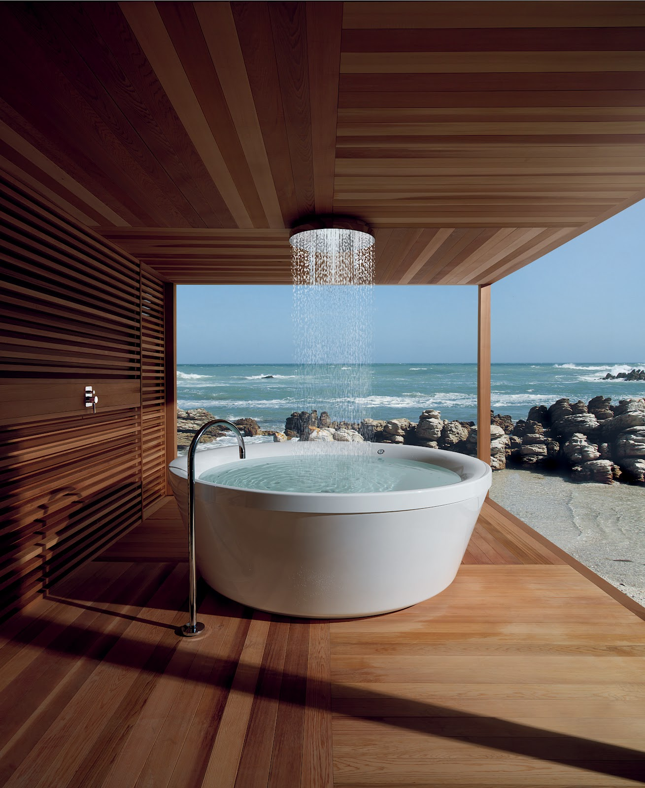 outdoor shower tub