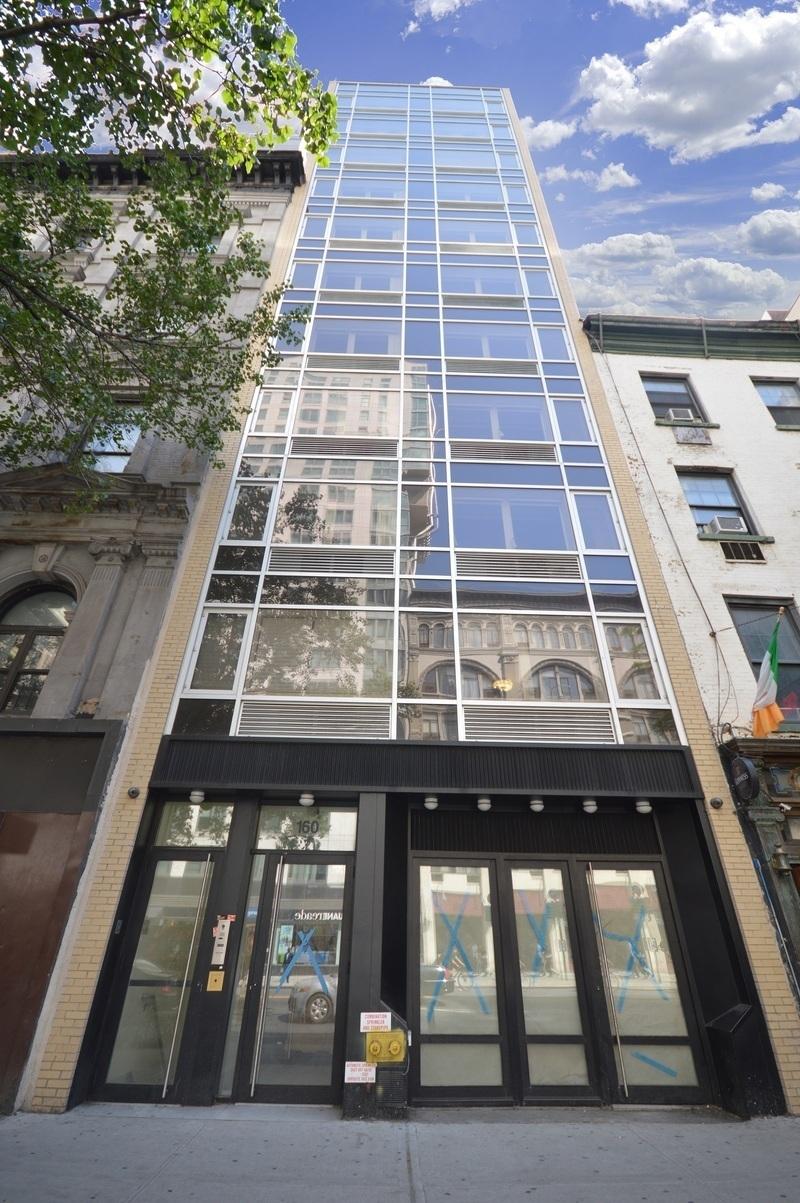160 East 23rd Street exterior