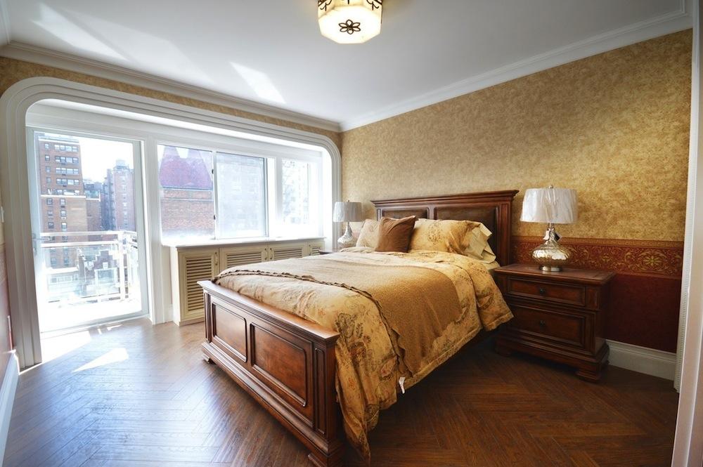 160 East 23rd bedroom