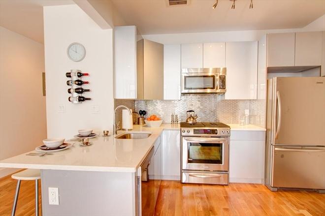 170 Putnam kitchen
