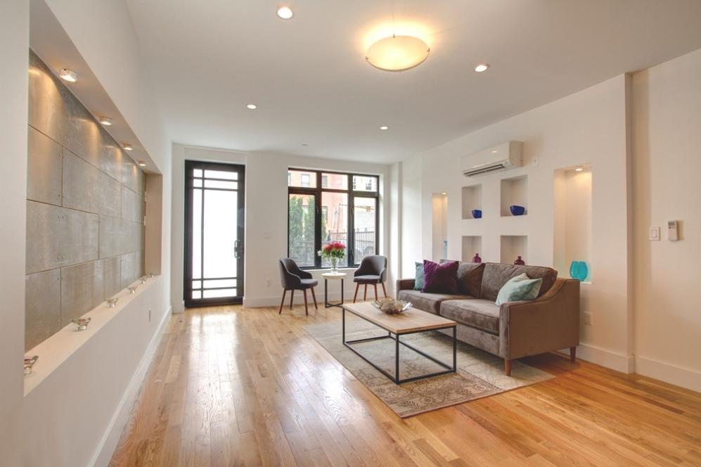 170 Putnam living room 2