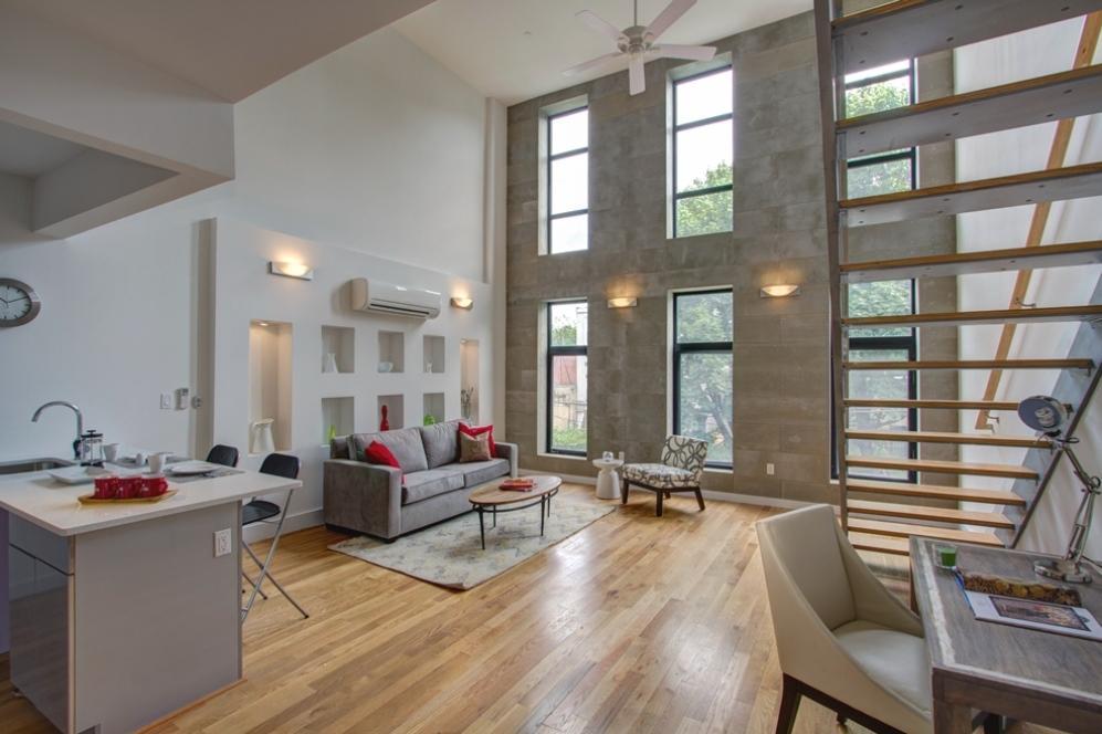 170 Putnam living room