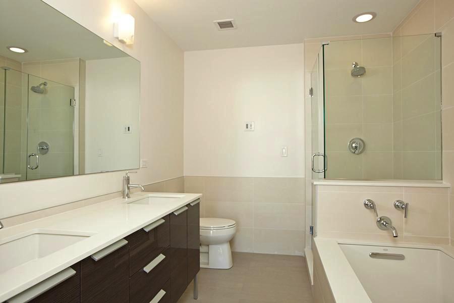 306 West 116th bathroom